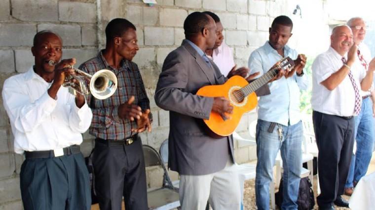 church playing music